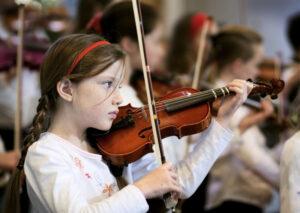 girl-violin-01