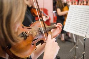 Five Schools That Offer Violin Scholarships