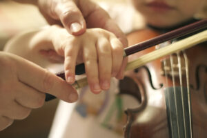 What Age Can a Child Begin to Take Music Lessons Online