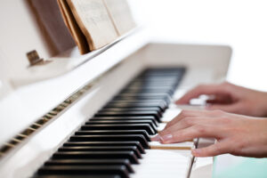 Bad Habits On the Piano (How to Avoid or Correct Them)