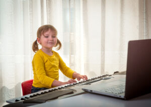 How Exactly Do Online Piano Lessons Work
