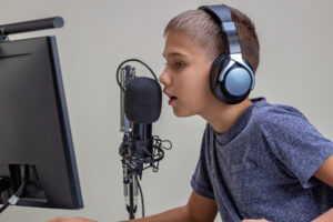 What You Need To Know About Online Voice Lessons